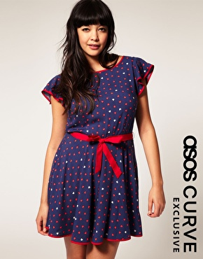 Dress With Heart Print And Belted Waist